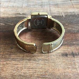 Accessories - Quartz Watch